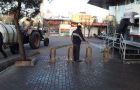 ادامه عملیات پاکسازی و ضدعفونی معابر شهری و اماکن عمومی ایلخچی
