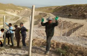تداوم عملیات فنس کشی محل دفن پسماندهای خانگی در ایلخچی