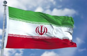 پرچم های ایران و رنگی سطح معابر و پل های سطح شهر تعویض شد