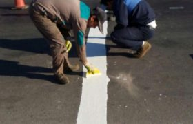 اجرای طرح عملیات خط کشی ترافیکی خیابان امام(ره) توسط شهرداری ایلخچی